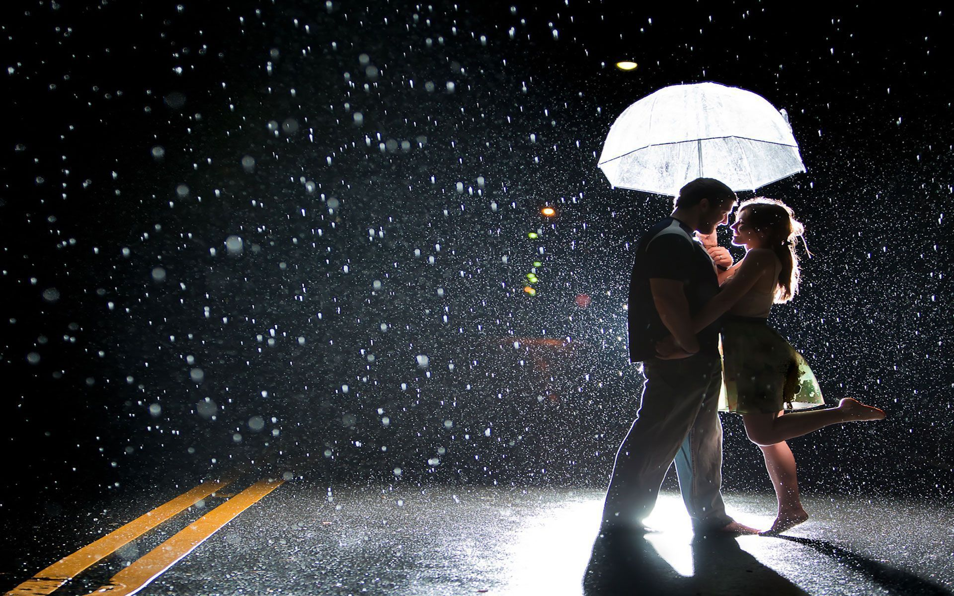 20-love-couple-romance-rain